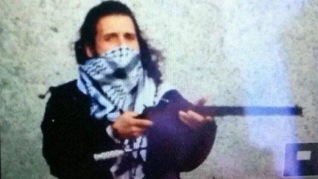 Michael Zehef-Bibeau, neo convertito all'Islam, responsabile dell'assalto al Parlamento di Ottawa, Canada