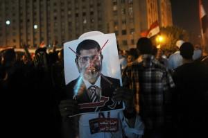 La protesta di piazza Tahrir è stata la miccia che ha portato alla destituzione di Morsi: ma chi controlla la transizione è l'esercito (Afp)