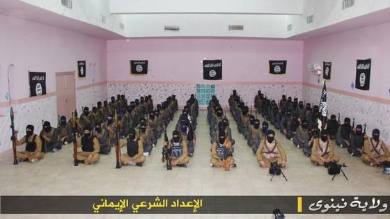 campo addestramento Isis 2