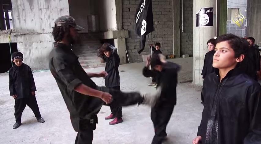 Nel campo di addestramento dell'Isis (You Tube)